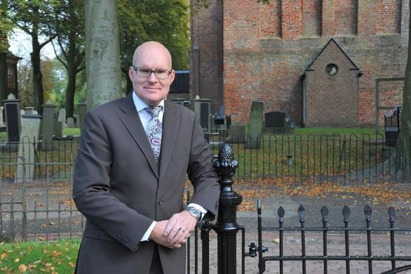 Niels Bakker start uitvaartonderneming Niels! in Haarlem