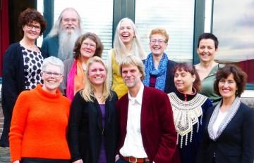 Bovenste rij van links naar rechts: Myriam Remmits – van de Burg (Schayk), Ton Overtoom (co-trainer), Anneke de Boer (Noordwoolde), Hermien Embsen (trainer), Anja Assink-Klein Nagelvoort (Ambt Delden), Agnes van Wijk (Boerdonk).  Onderste rij van links naar rechts: Petra Kuperus – Glas (Alphen aan de Rijn), Aimée van de Venne (Ulvenhout), John Eijkelkamp (Emmen), Wendy Onvlee (Zaandam) en Trudy van Doeveren-Vogels (Oisterwijk).
