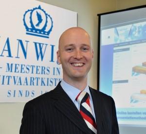 Directeur vierde generatie Van Wijk Uitvaartkisten: Peter van Wijk