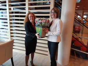 Ondertekening contract_Sabrina Franken_Marlies Schonveld_14 feb 2017