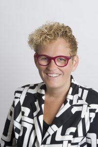 Alexandra Markusse werkt als uitvaartondernemer en is oprichter van SchrijfMoed.nu